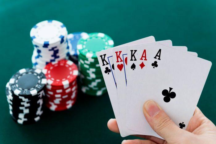 Keuntungan saat bermain taruhan poker online tepercaya